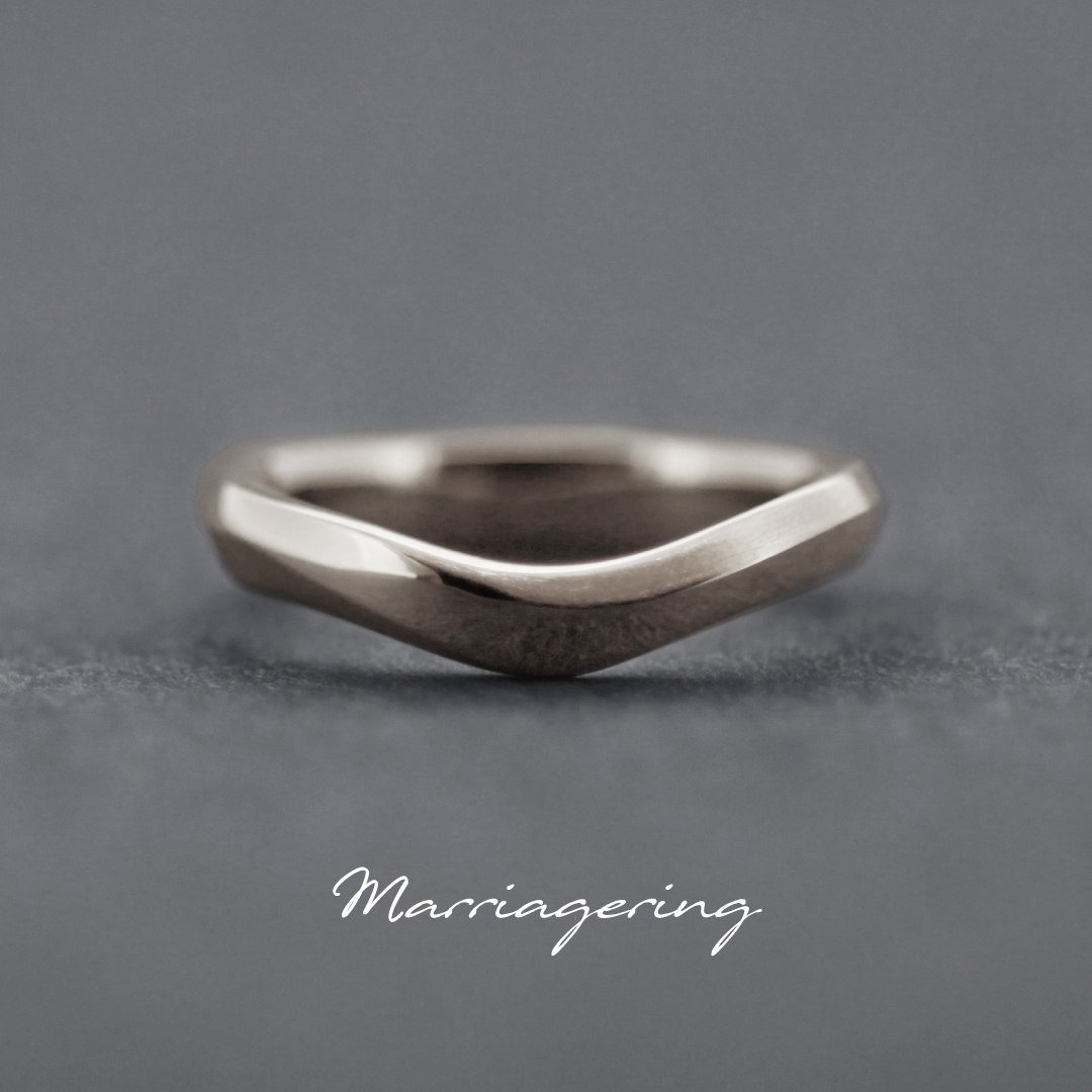 男性用のブイラインの結婚指輪