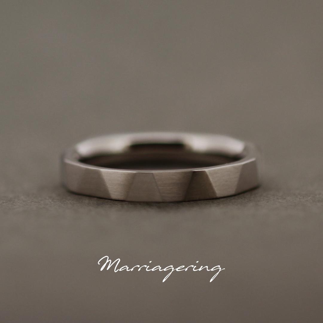 男性用のストレートラインの結婚指輪④